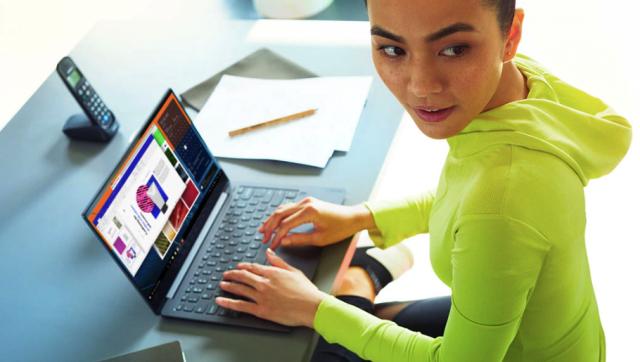 Harga dan Spesifikasi Lenovo Yoga S730